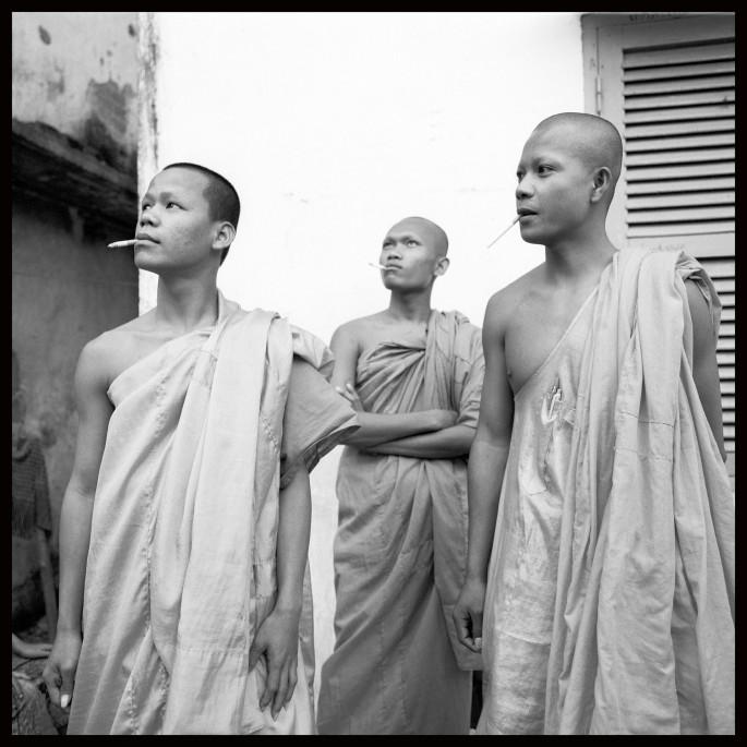 John Hryniuk, </span><span><em>Marlboro Monks - Phnom Phen Cambodia 2005</em>, </span><span>24  x 24