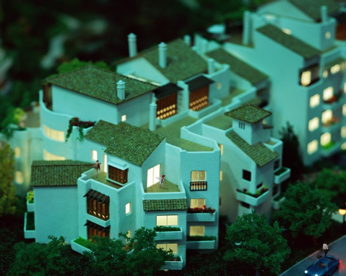 Danwen Xing, </span><span><em>Urban Fiction Image 4 from the series, 2004-2005</em>