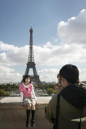 Huy Lam/First Light, </span><span><em>Paris 2005</em>, </span><span>Digital, 4x6