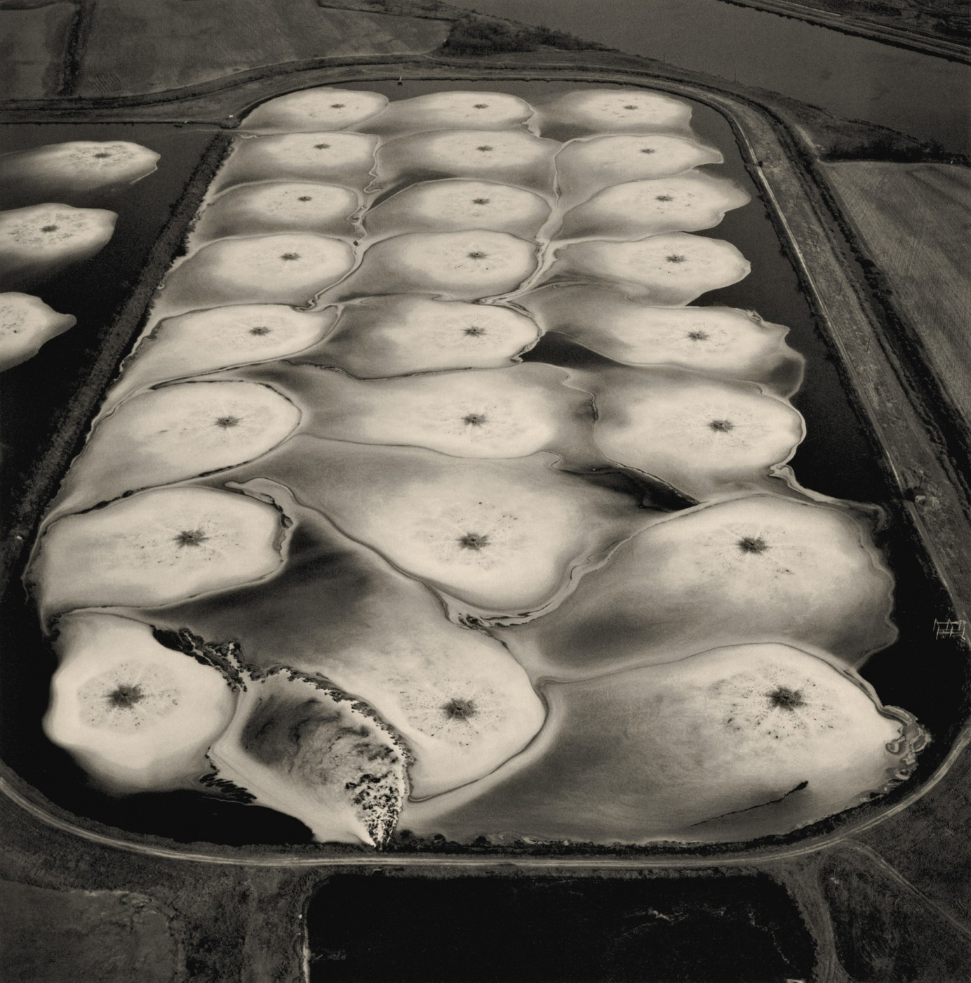 Emmet Gowin, </span><span><em>Aeration Pond, Toxic Water Treatment Facility, Pine Bluff, Arkansas, 1989</em>