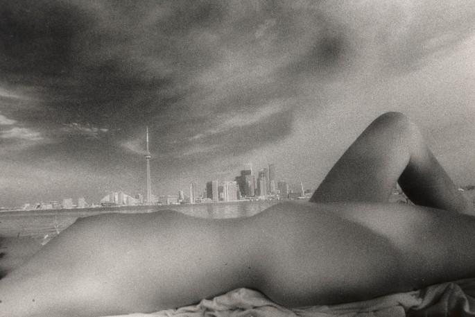 Nir Bareket, </span><span><em>On the beach, 1989</em>, </span><span>Gelatin &amp;amp; silver, 16X 20