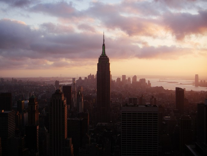 Hairuo Dai, </span><span><em>'Sunset on the Empire State', Nov 25, 2006</em>, </span><span>Digital,  13 x19