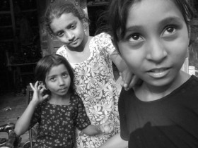 Anthea Baxter-Page, </span><span><em>Merchant's Daughters, Jodhpur, 2008</em>, </span><span>Giclee, 17x22