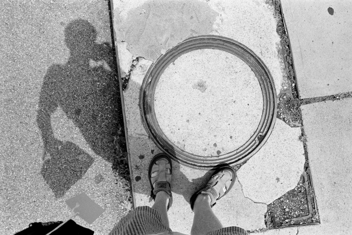 D.A.Hill, </span><span><em>Pittsburg 2002  The Manhole Series</em>, </span><span>archival digital print, 16