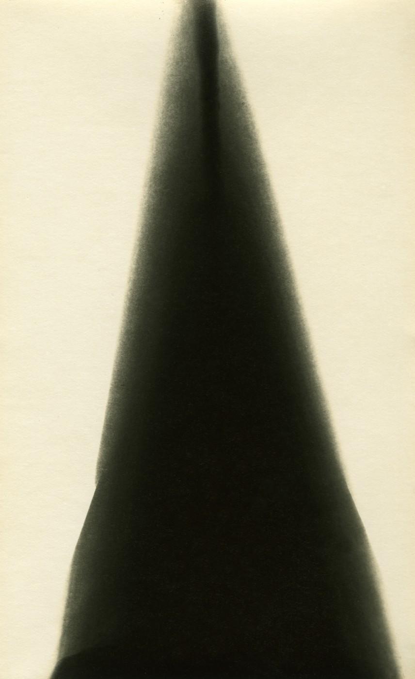 Alison Rossiter, </span><span><em>Eastman Kodak, Velvet Velox, expiration May 1, 1928. 2008.</em>