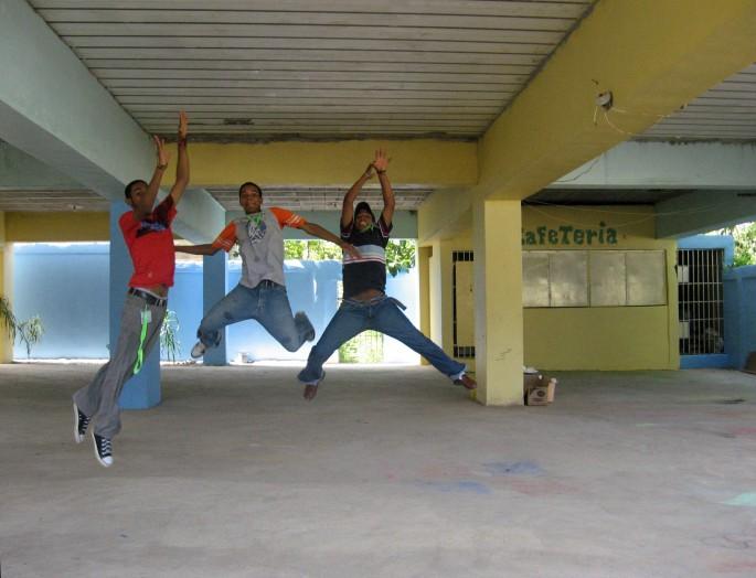 anonymous, Hainamosa, </span><span><em>Jump, 2008</em>, </span><span>8x10