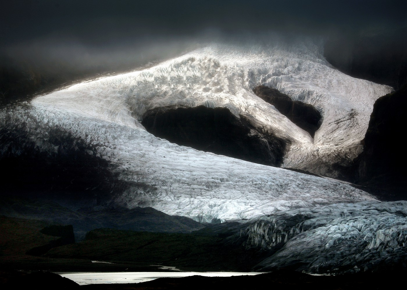Jiri Vondrak, </span><span><em>FJALLSJOKULL GLACIER - ICELAND, 2008</em>, </span><span>Digital Photography