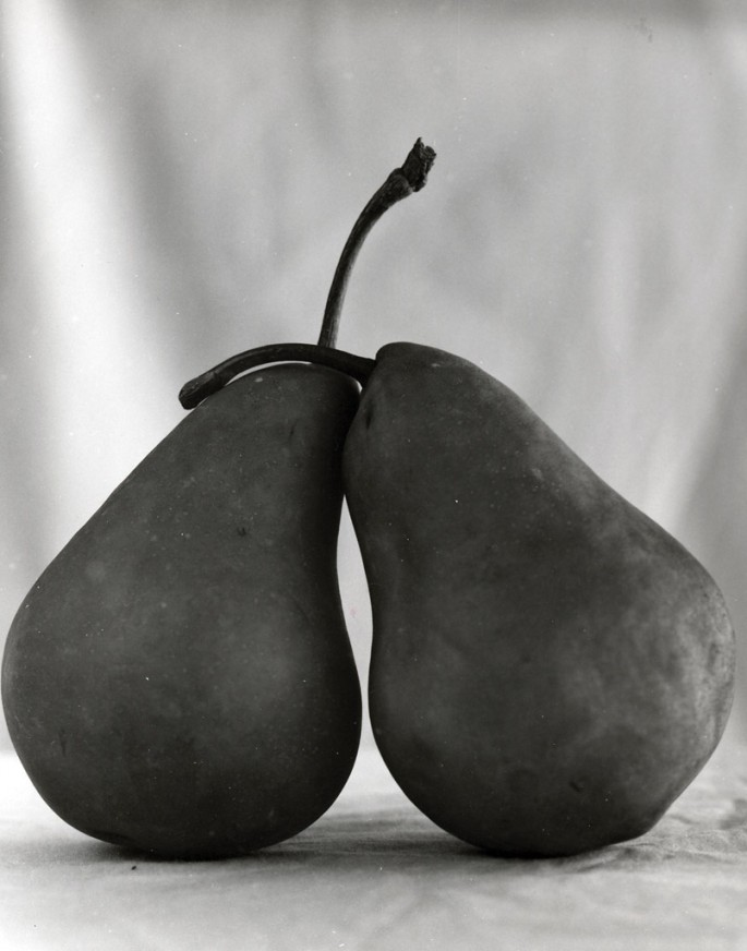 Dale M Reid, </span><span><em>Pear Affair #2</em>, </span><span>2004