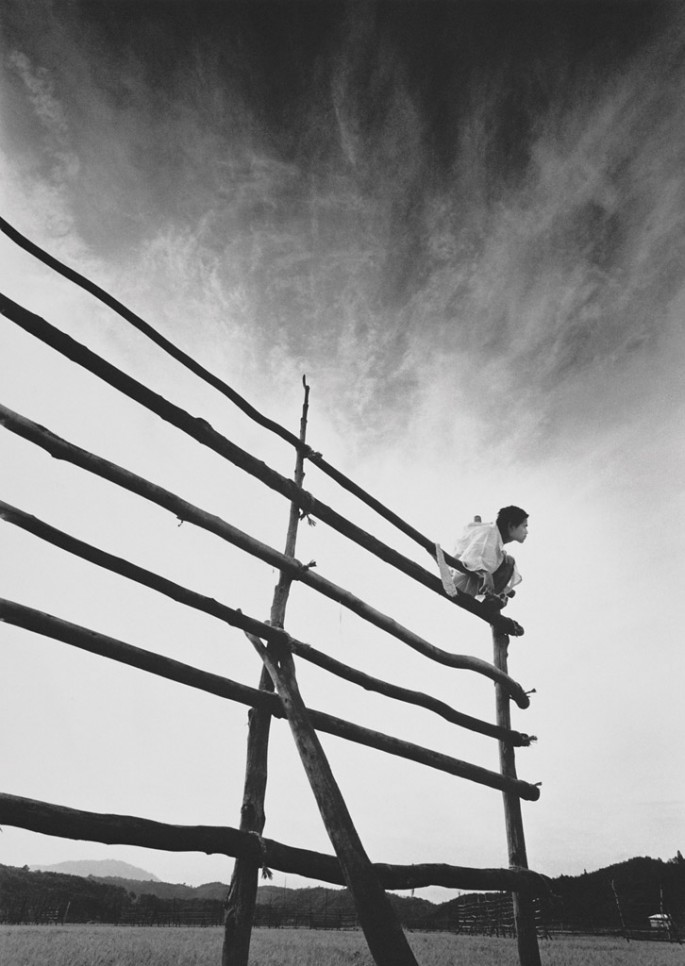 Eikoh Hosoe, </span><span><em>Kamaitachi 8</em>, </span><span>1965