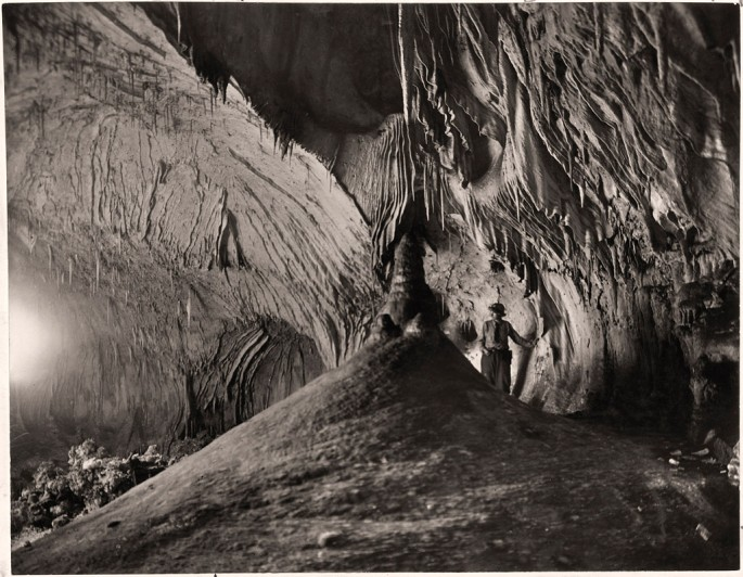 Willis T. Lee, </span><span><em>Tapestry Wall in the Dome Room, Carlsbad Cavern National Monument, New Mexico</em>, </span><span>1924 National Geographic Society / Courtesy of Stephen Bulger Gallery