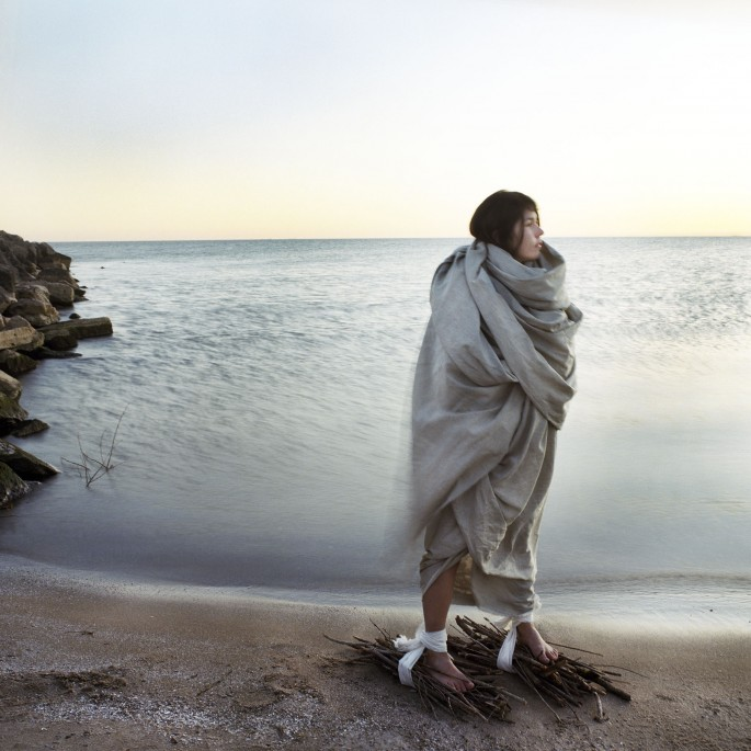 Meryl McMaster, </span><span><em>Between Worlds</em>, </span><span>2009