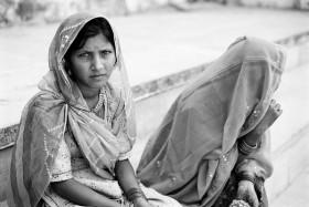 Christina Gapic, </span><span><em>Sisters - Rajasthan</em>, </span><span>2007