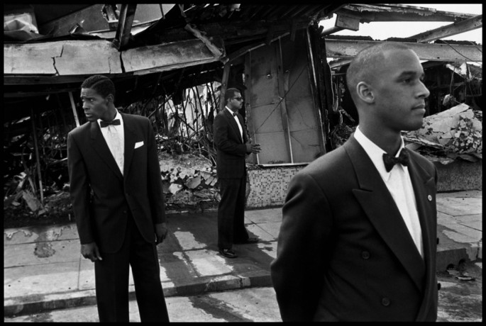 Eli Reed, </span><span><em>USA. Los Angeles. 1992. Members of the Nation of Islam among the ruins of the Rodney King riots.</em>, </span><span> Eli Reed/Magnum Photos