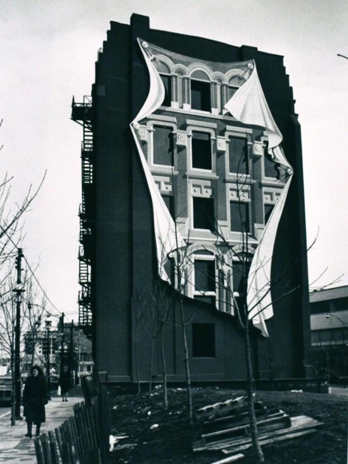 André Kertész, </span><span><em>Untitled, Toronto, (Surrealism in Toronto</em>, </span><span>March 4, 1981