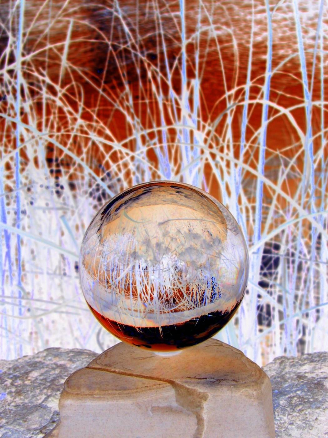 Mark Raynes Roberts, </span><span><em>Innerworld - GLASSLANDS</em>, </span><span>2011