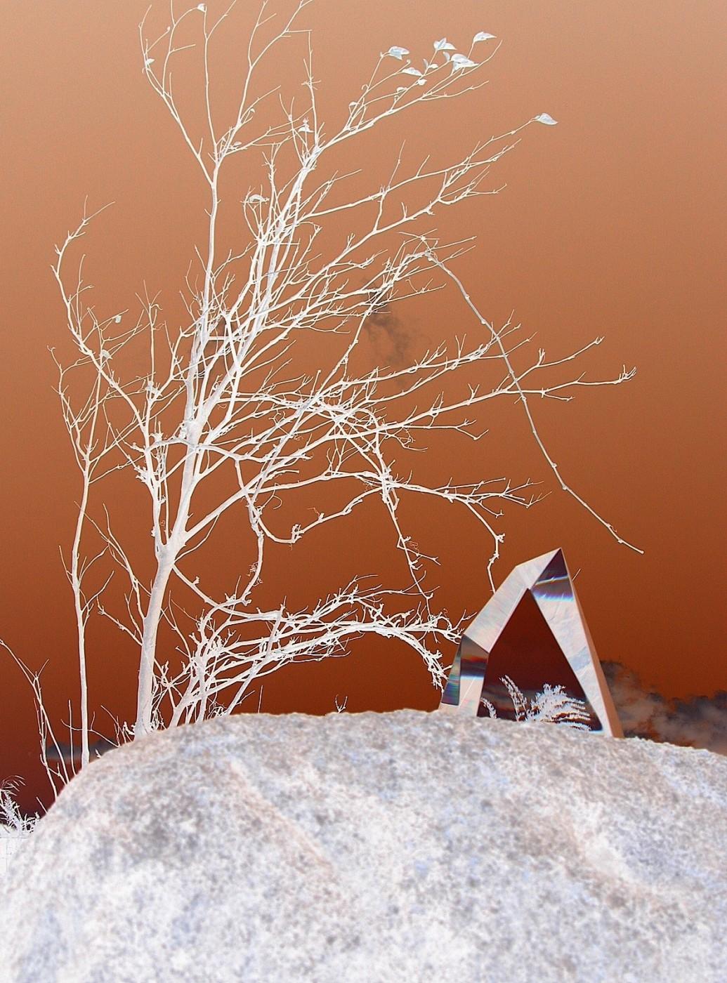 Mark Raynes Roberts, </span><span><em>Lens of Light - GLASSLANDS</em>, </span><span>2011