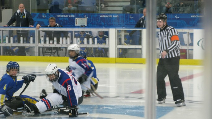 Jill Le Clair, </span><span><em>Chasing the puck</em>, </span><span>2010