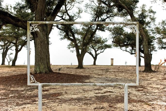 Robert Leslie, </span><span><em>Welcome to the University of Southern Mississippi, Biloxi Mississippi</em>, </span><span>2009