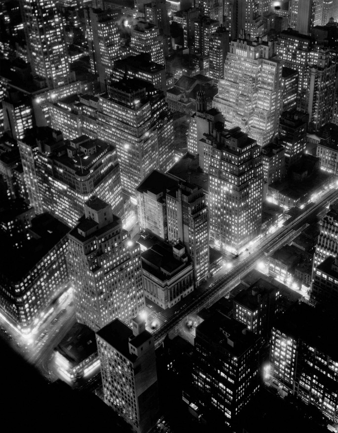 Berenice Abbott, </span><span><em>Nightview, New York City</em>, </span><span>1935 © Berenice Abbott/Commerce Graphics
