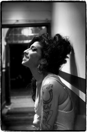 Jill Furmanovsky, </span><span><em>Amy Winehouse</em>, </span><span>2006