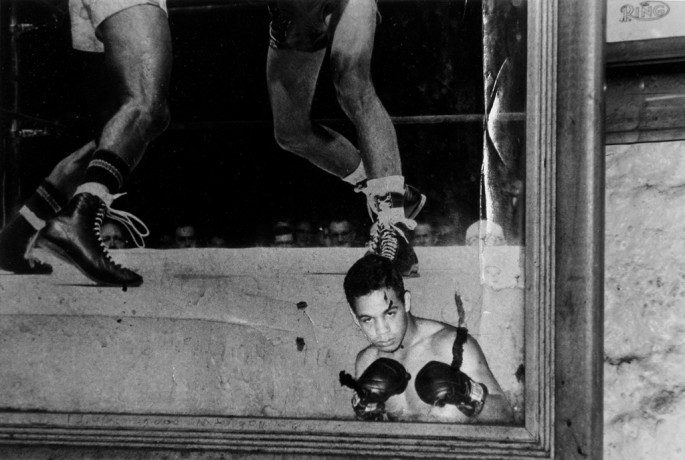 Pete Doherty, </span><span><em>West Side Gym, Harlem, New York</em>, </span><span>2004  © Pete Doherty / Courtesy of Stephen Bulger Gallery