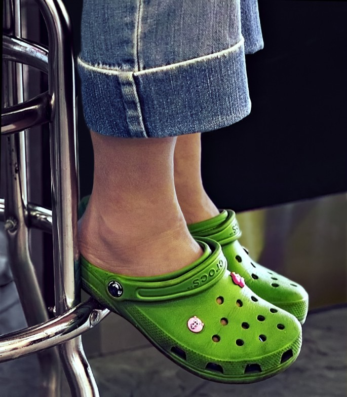 Brenda Hoffert, </span><span><em>Green Clogs</em>, </span><span>2013