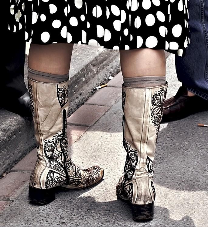 Brenda Hoffert, </span><span><em>Urban Cowgirl</em>, </span><span>2013