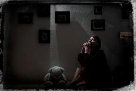 Justyna Skawinska, </span><span><em>Strength in Faith</em>, </span><span>2012