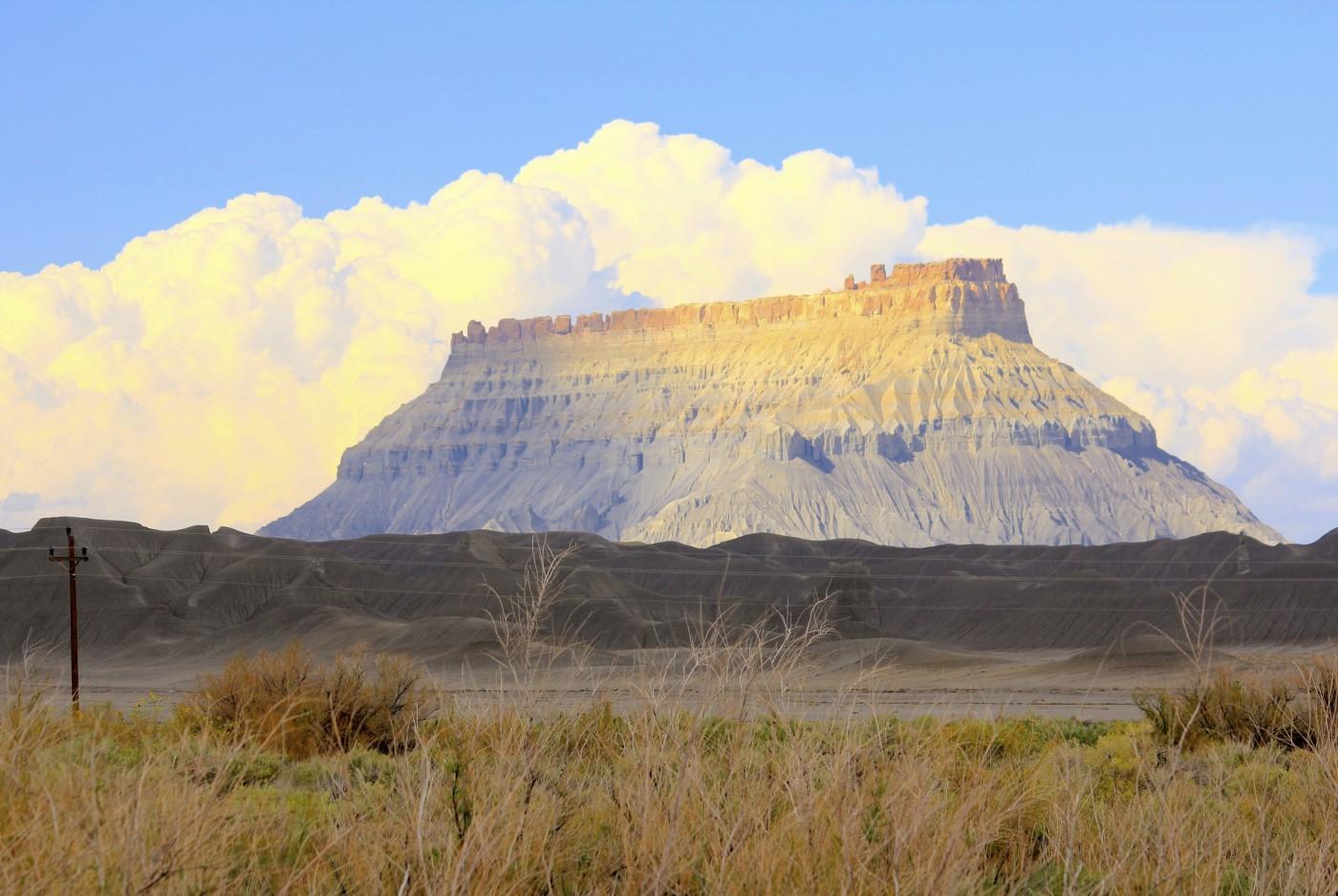 Sandy Baron, </span><span><em>Cloud Mountain</em>, </span><span>2013