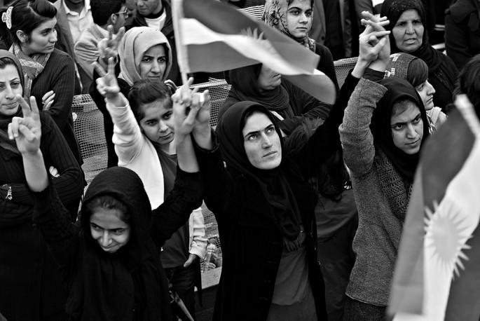 Samer Muscati, </span><span><em>Female protesters</em>, </span><span>2011