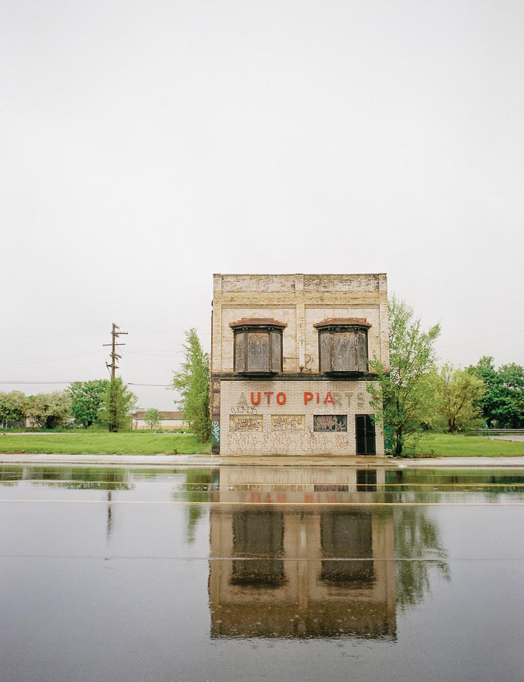 Ian Brown, </span><span><em>Utopia</em>, </span><span>2009