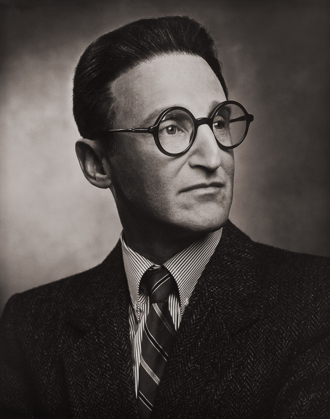 Rafael Goldchain, </span><span><em>Self-Portrait as Don Marcos José Goldchain Liberman (Glasses), b. Warsaw, Poland, 1902 d. Santiago de Chile, 1959</em>, </span><span>1999-2001 © Rafael Goldchain, 2001, Courtesy of O'Born Contemporary.  Photo © NGC