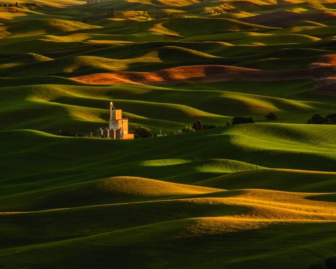 Mark Nicol, </span><span><em>Sunset from Steptoe Butte</em>, </span><span>2014