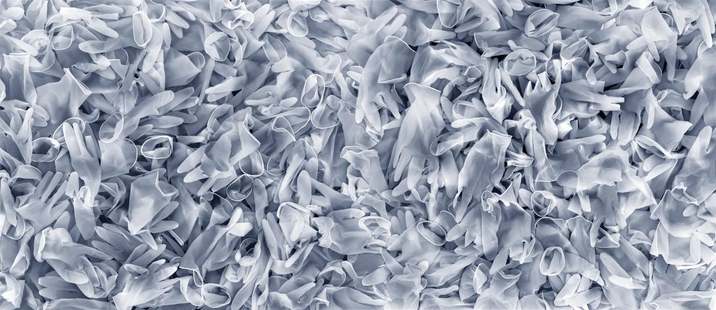 Heidi Leverty, </span><span><em>Plastic 34 B</em>, </span><span>2010