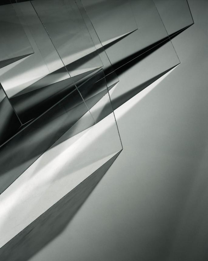 Barbara Kasten, </span><span><em>Studio Construct 8</em>, </span><span>2007 Courtesy of the artist and BortolAmi Gallery