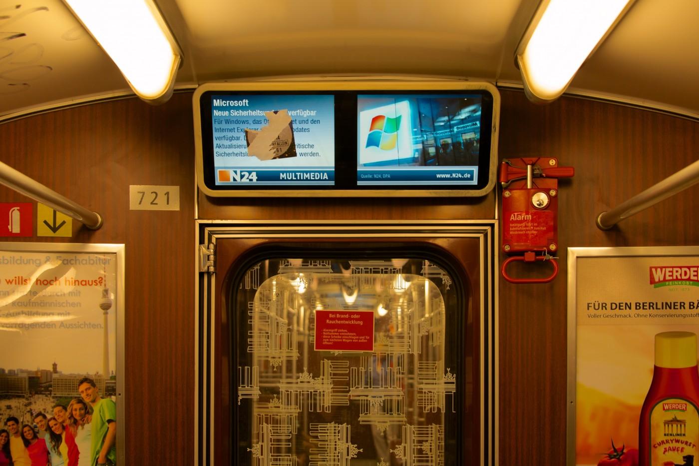 Tong Lam, </span><span><em>Berlin U-Bahn</em>, </span><span>2014