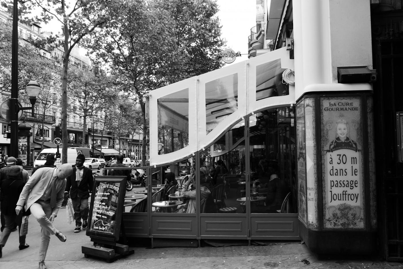 Tatiana Salnikova, </span><span><em>Le Cafe Zephyr, Paris</em>, </span><span>2015
