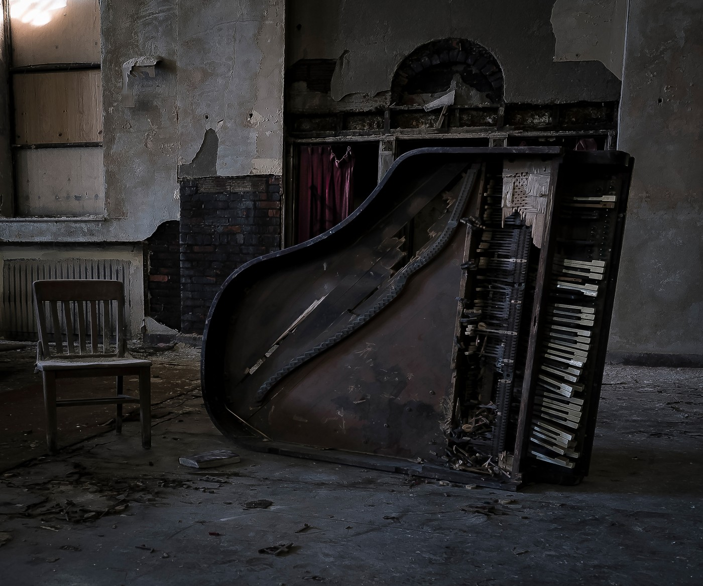 Pamela Julian, </span><span><em>Piano Man</em>, </span><span>2015