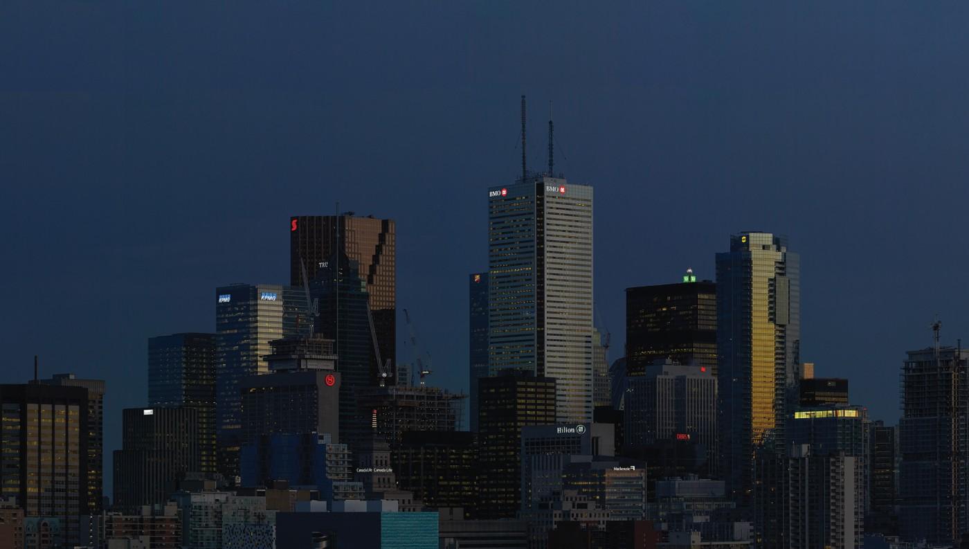 Aude Moreau, </span><span><em>Downtown Toronto (twilight time)</em>, </span><span>2016