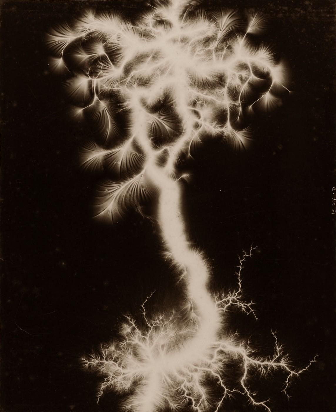 Étienne Léopold Trouvelot, </span><span><em>Étude d'étincelle</em>, </span><span>c. 1885. Gelatin silver print, 11.8 x 9.4&quot;. Collection of Thomas Ruff, Düsseldorf.  Image courtesy of Thomas Ruff.