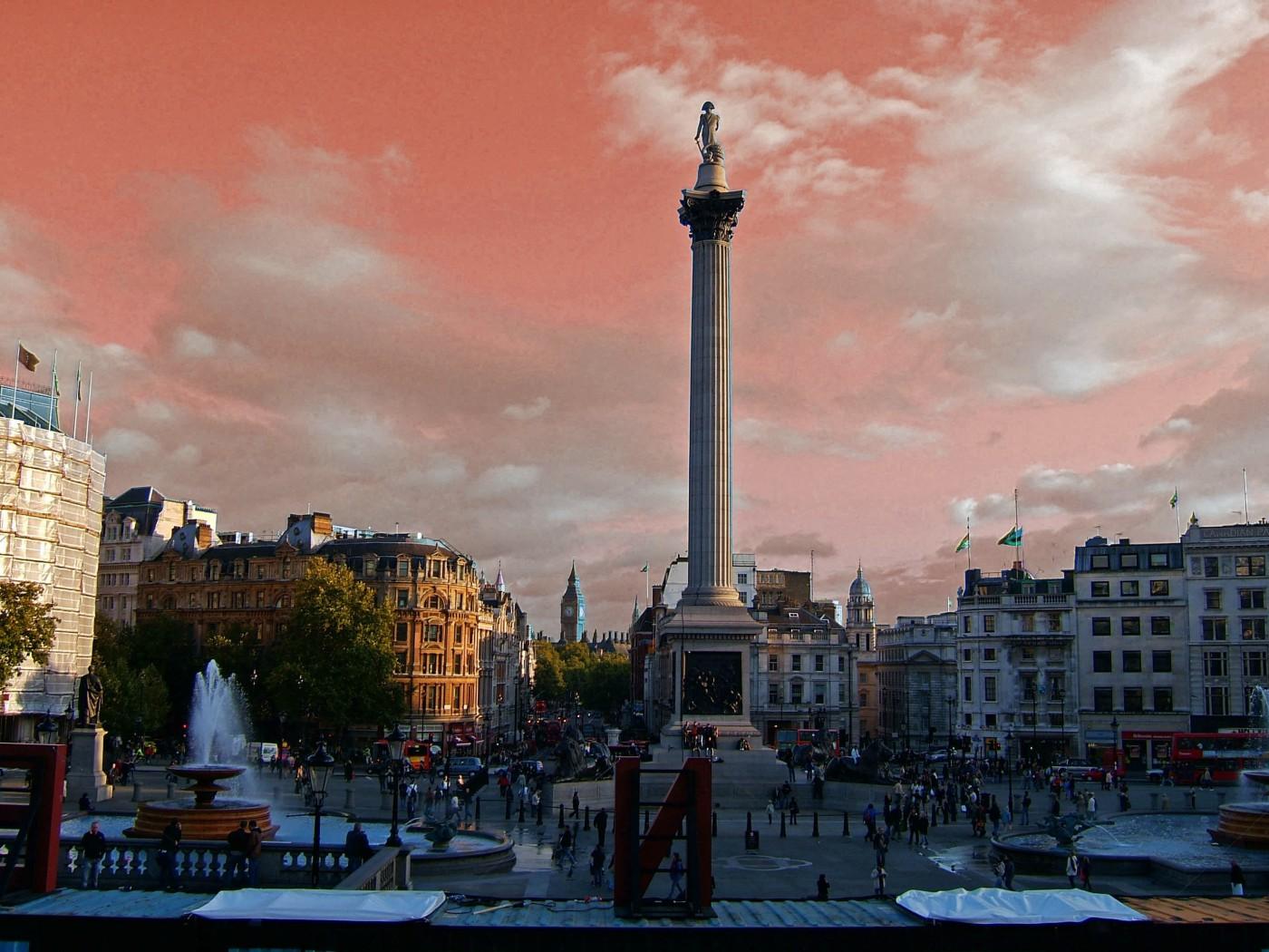J Davidson-Palmer, </span><span><em>The Sun Sets on the British Empire</em>, </span><span>2007