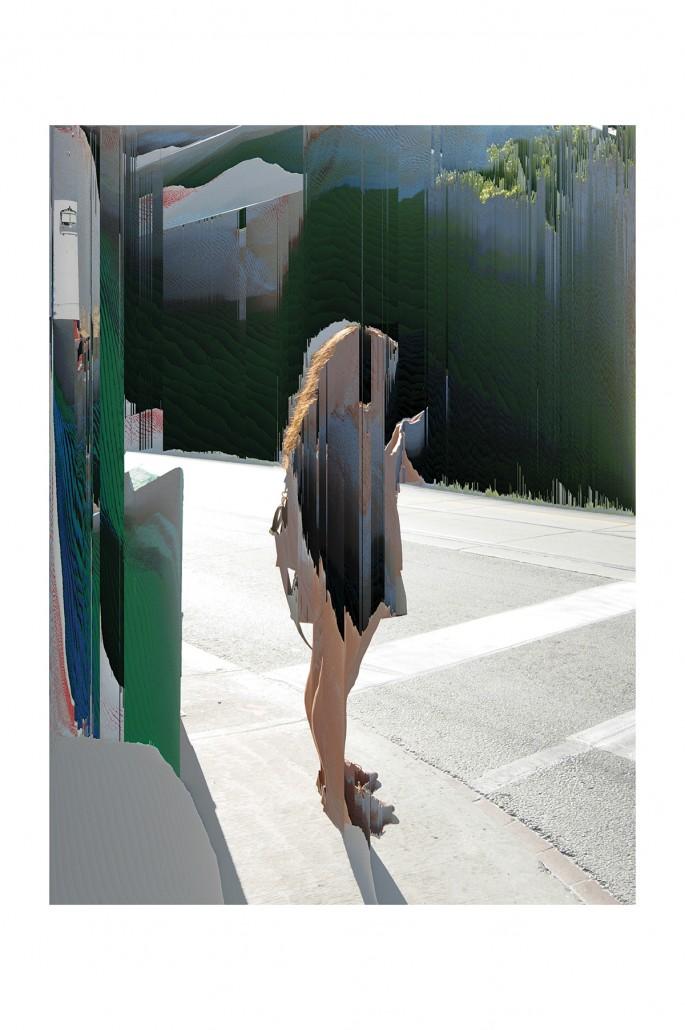 Cheryl Sourkes, </span><span><em>Connext: Handheld</em>, </span><span>2013. Archival pigment print, 44x60&quot;.