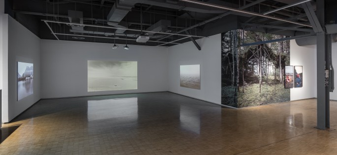 Installation view of Johan Hallberg-Campbell, </span><span><em>Coastal</em>, </span><span>photo by Toni Hafkenscheid.