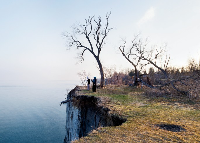 Robert Burley, </span><span><em>Scarborough Bluffs Park</em>, </span><span>2014. Courtesy of the Stephen Bulger Gallery